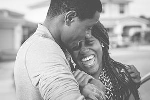 black-man-hugging-black-woman